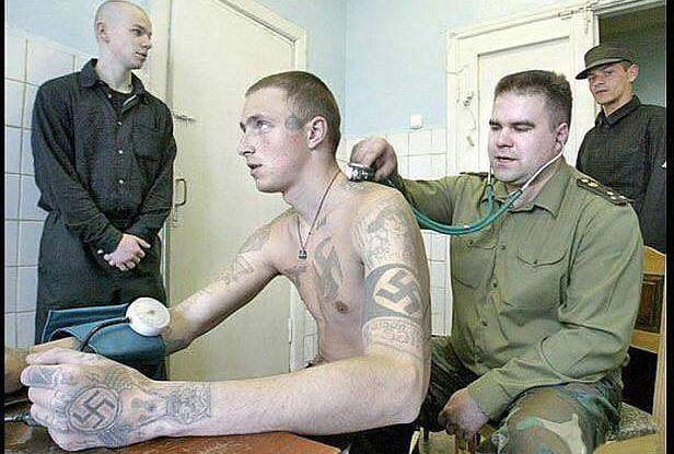 Andam suásticas à solta na Ucrânia